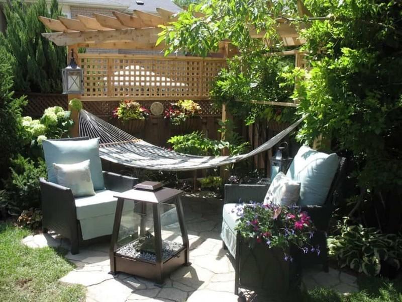 Гамак в саду