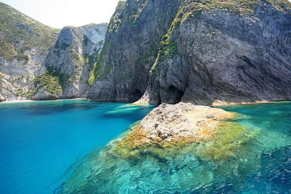Palmarola-Island-zoltan