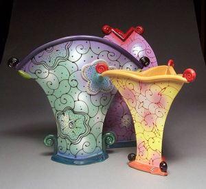 вазы хенд-мейд из глины и бисера