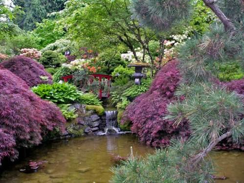 Японский сад - водопадик в пруд