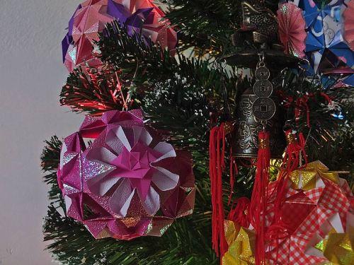 шары из бумаги на елку