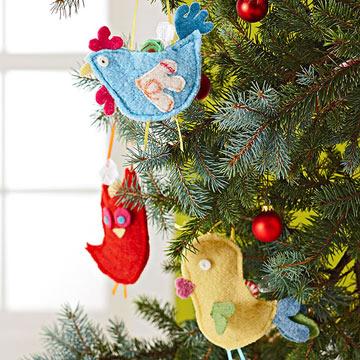 Новогодняя игрушка птичка из фетра