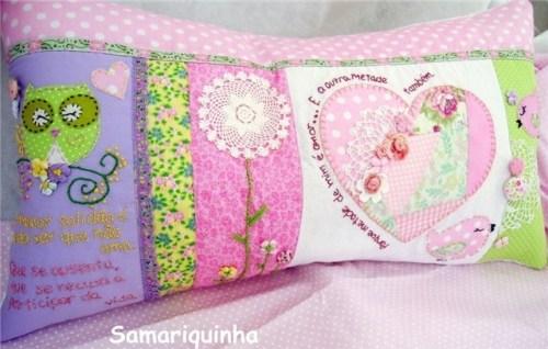 Идея розовой лоскутной подушки