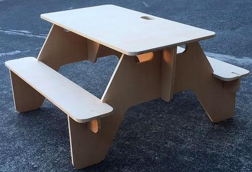 Столик для пикника на даче