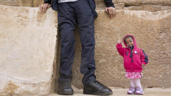 The world's tallest man and shortest woman hung out and it ...