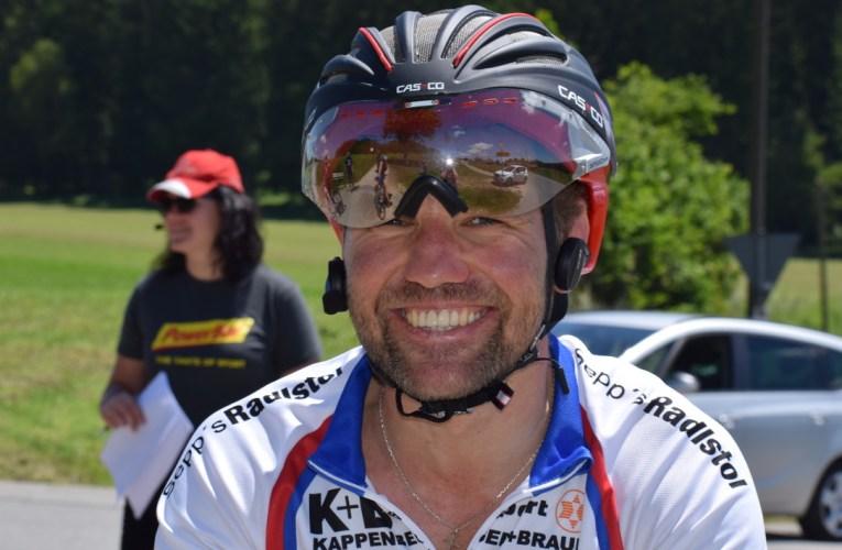 Radsportler Bernhard Steinberger fährt das Race Around Germany
