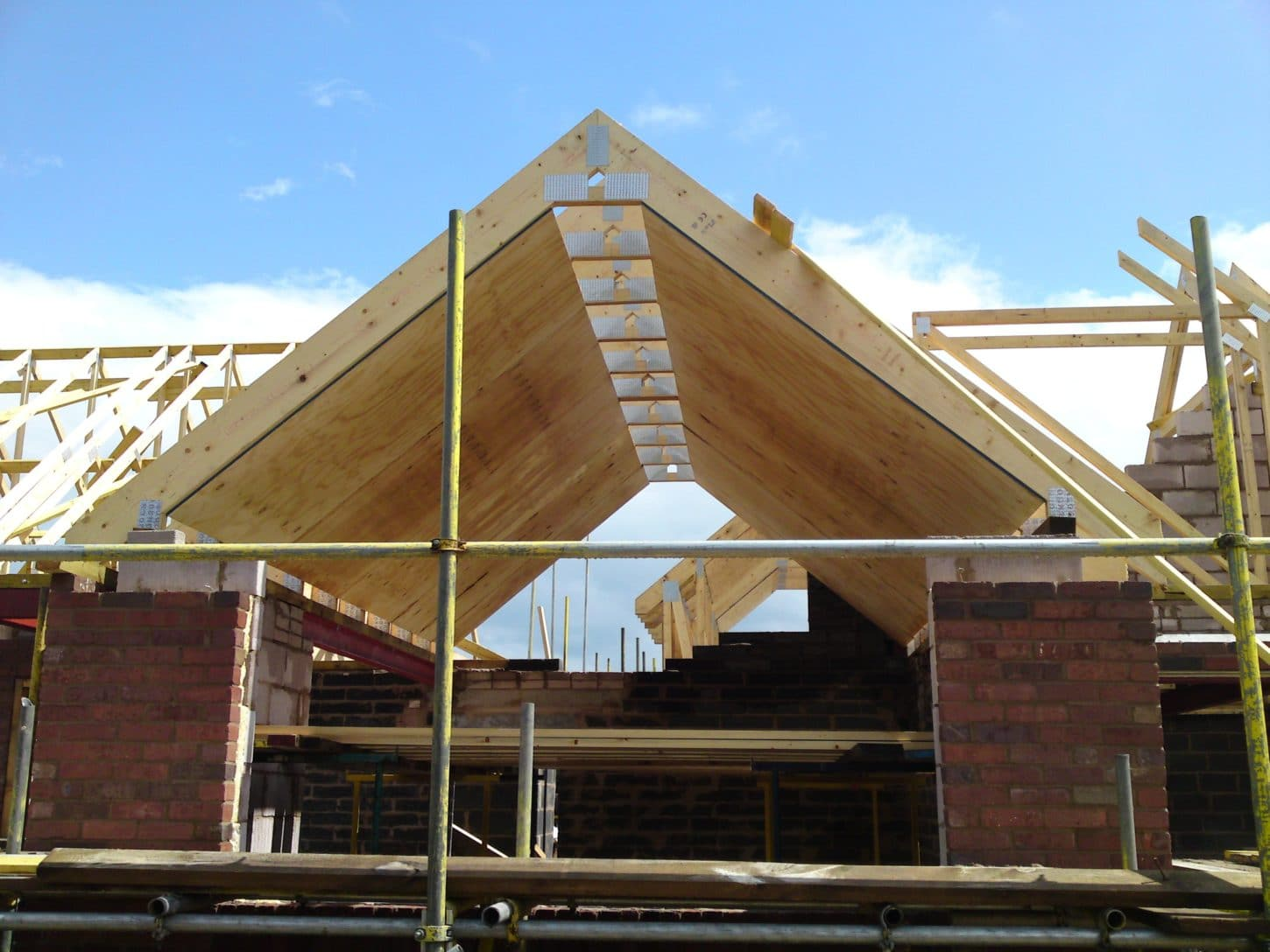 New roof price guide how much for a new roof for Cost of roof trusses