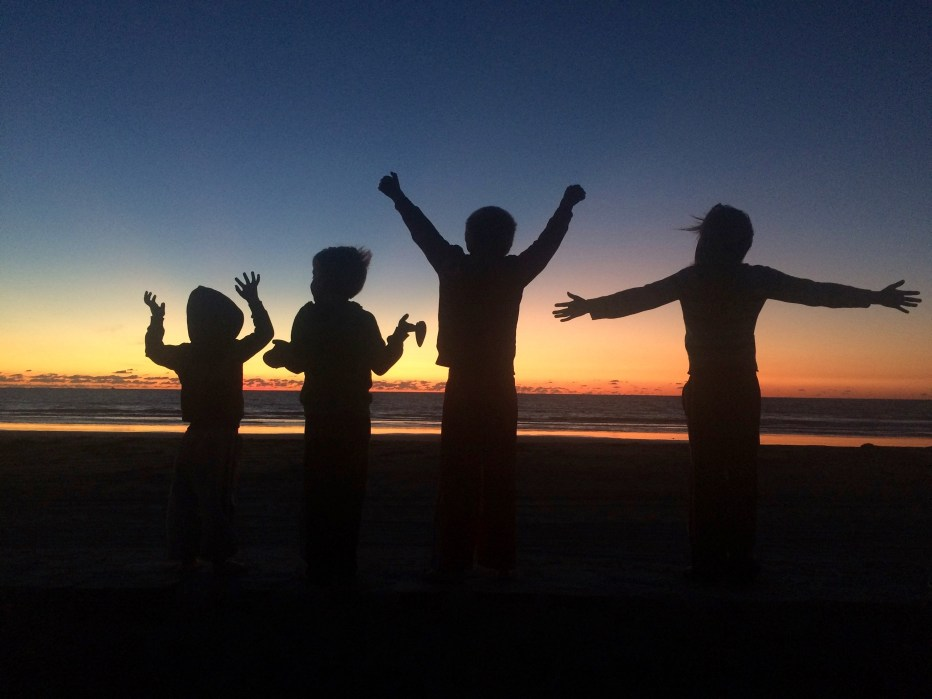 playa de almeja sunset kids