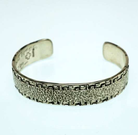 JJ Otero resistance bracelet
