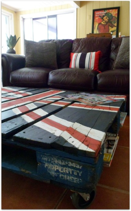 union jack pallet table