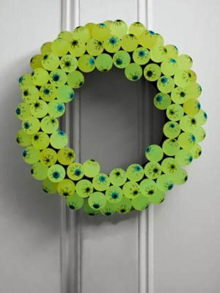 Eerie Eyeball Wreath
