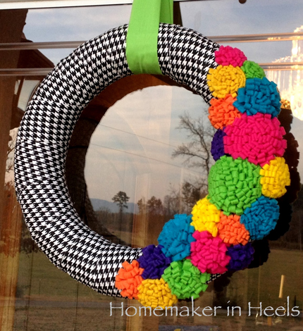 14 Colorful Wreaths You Can Make @craftgossip