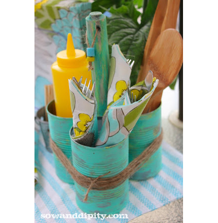 Soup Can Caddy for Your Picnic Table @craftgossip