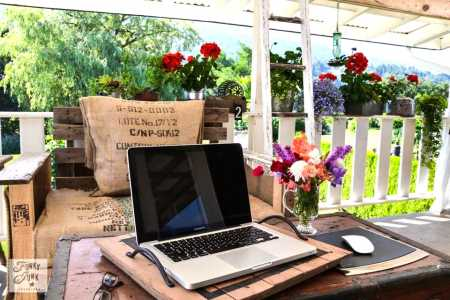 outdoor-patio-office