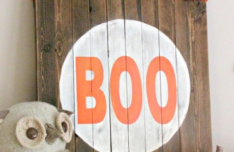 Make Your Own Rustic Halloween Sign
