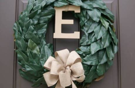 Stunning Magnolia Christmas Wreath You Can Make Yourself