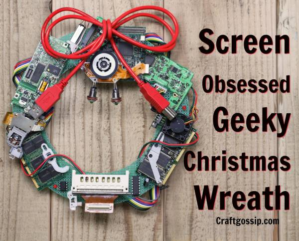 Screen obsessed geeky christmas wreath home and garden Savvy home and garden