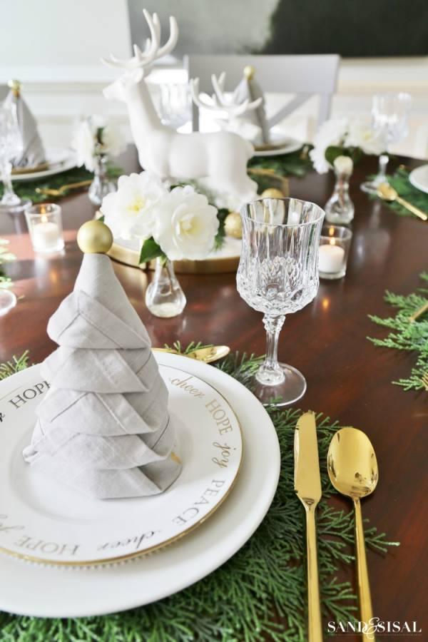 how to make christmas tree table napkins