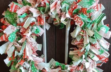 DIY Scrap Fabric Christmas Wreath
