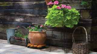 Read more about the article Landscaping With Railroad Ties