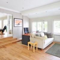 Bez obalu o dřevěné podlaze: Poznejte její výhody i nevýhody