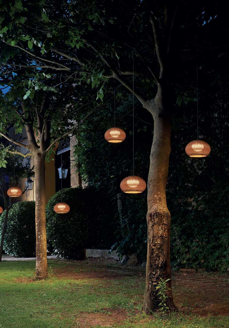 LIGHTING UP the outdoors - Home and Lifestyle Magazine