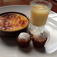 Crema catalana con chupito y mini-magdalenas