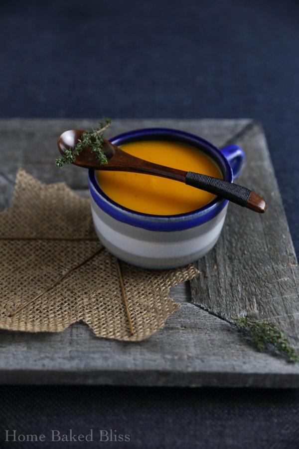 pumpkin soup, pumpkin soup recipe, how to make pumpkin soup, pumpkin recipe, soup recipe, fall soup recipe, autumn soup recipe, creamy pumpkin soup, creamy pumpkin soup recipe, healthy pumpkin soup, vegan pumpkin soup, vegan pumpkin recipe, easy pumpkin soup, easy pumpkin soup recipe