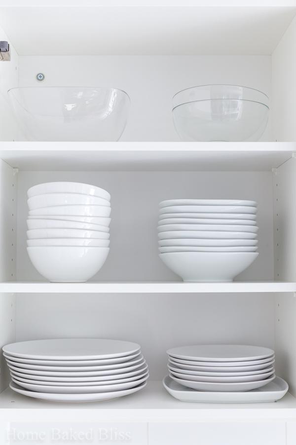 how to organize the kitchen, kitchen organization, kitchen organization hacks, organized kitchen