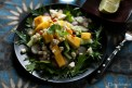 Korianderes mangó saláta mizunával