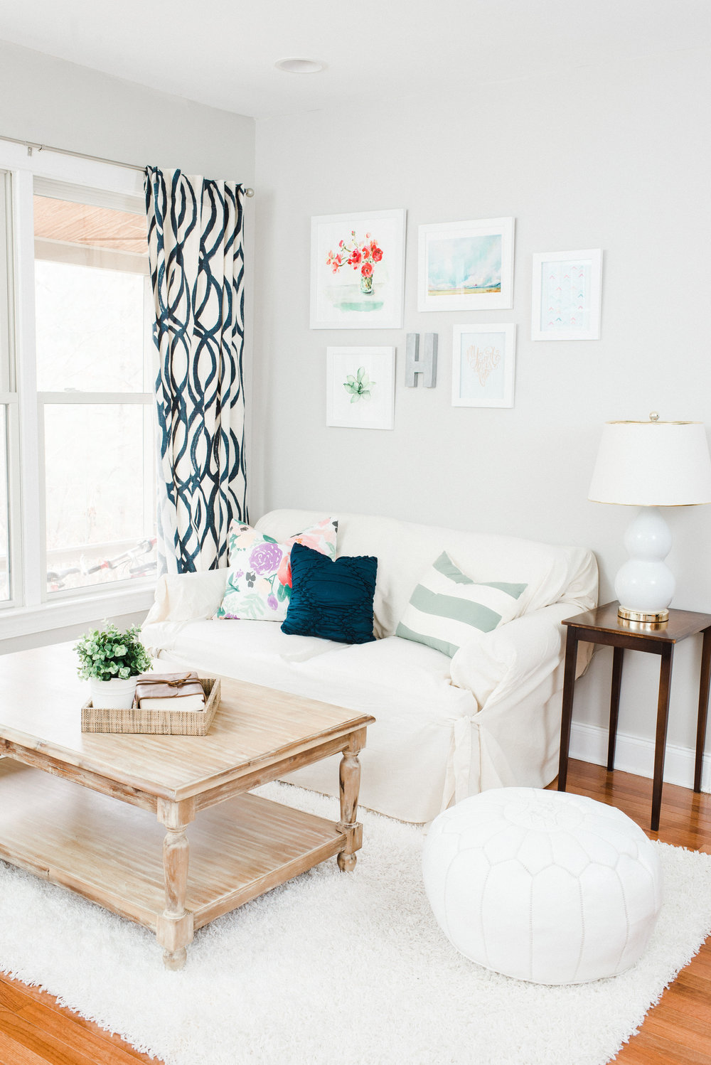50 Best Small Living Room Design Ideas for 2020 on Decorating Small Living Room  id=43399