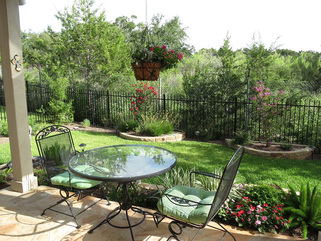 50 Best Backyard Landscaping Ideas and Designs in 2020 on Best Backyard Landscaping id=52856