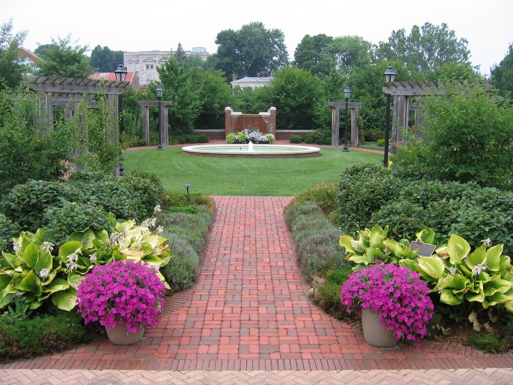 50 Best Backyard Landscaping Ideas and Designs in 2020 on Best Backyard Landscaping id=28948