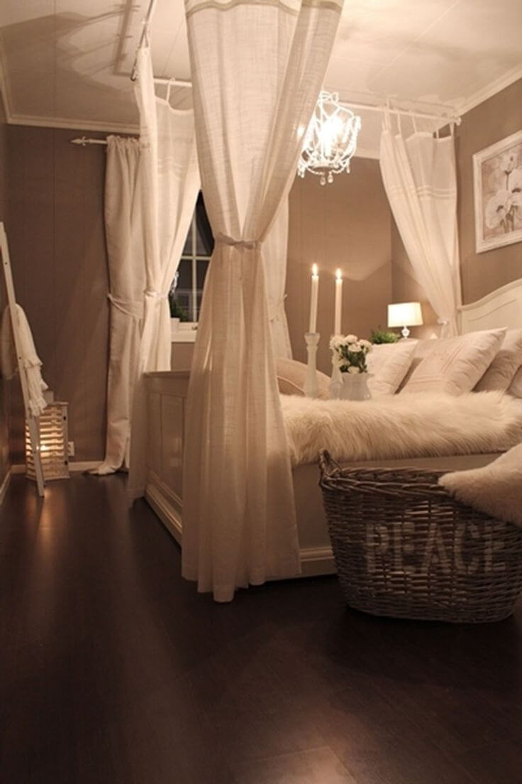 33 Best Vintage Bedroom Decor Ideas and Designs for 2021 on Bed Ideas For Small Rooms  id=26183