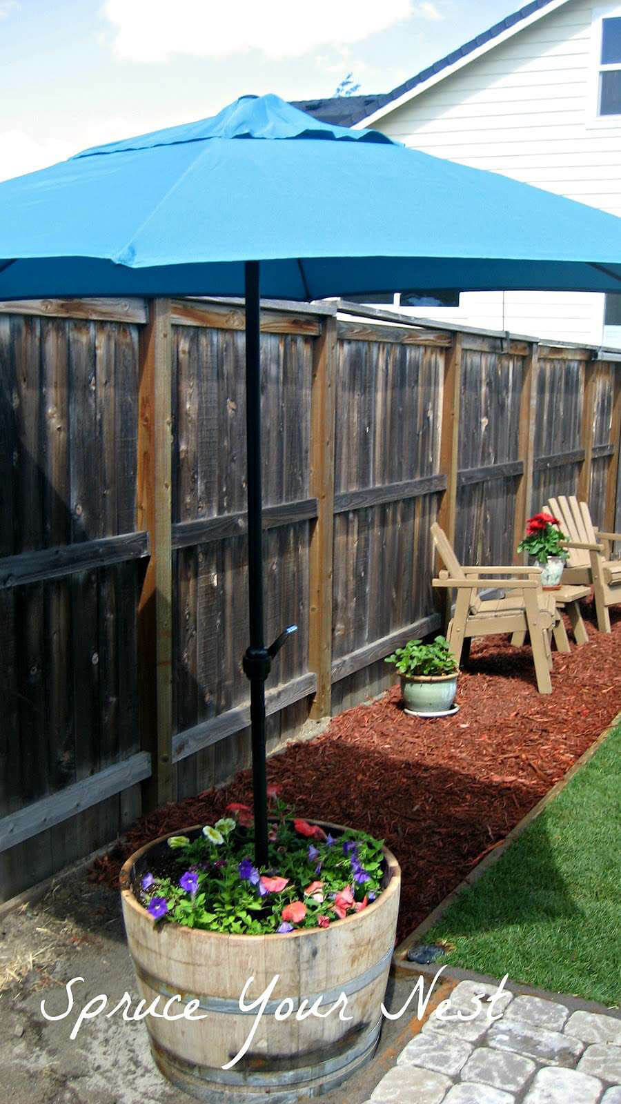 42 Best DIY Backyard Projects (Ideas and Designs) for 2020 on Diy Small Patio Ideas id=16503