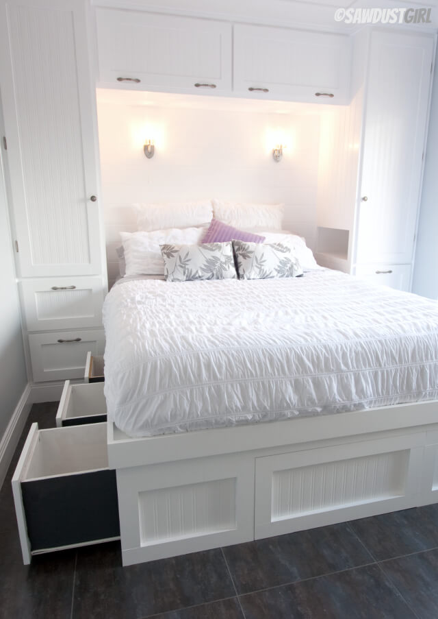 37 Best Small Bedroom Ideas and Designs for 2020 on Bedroom Ideas For Small Rooms  id=29576