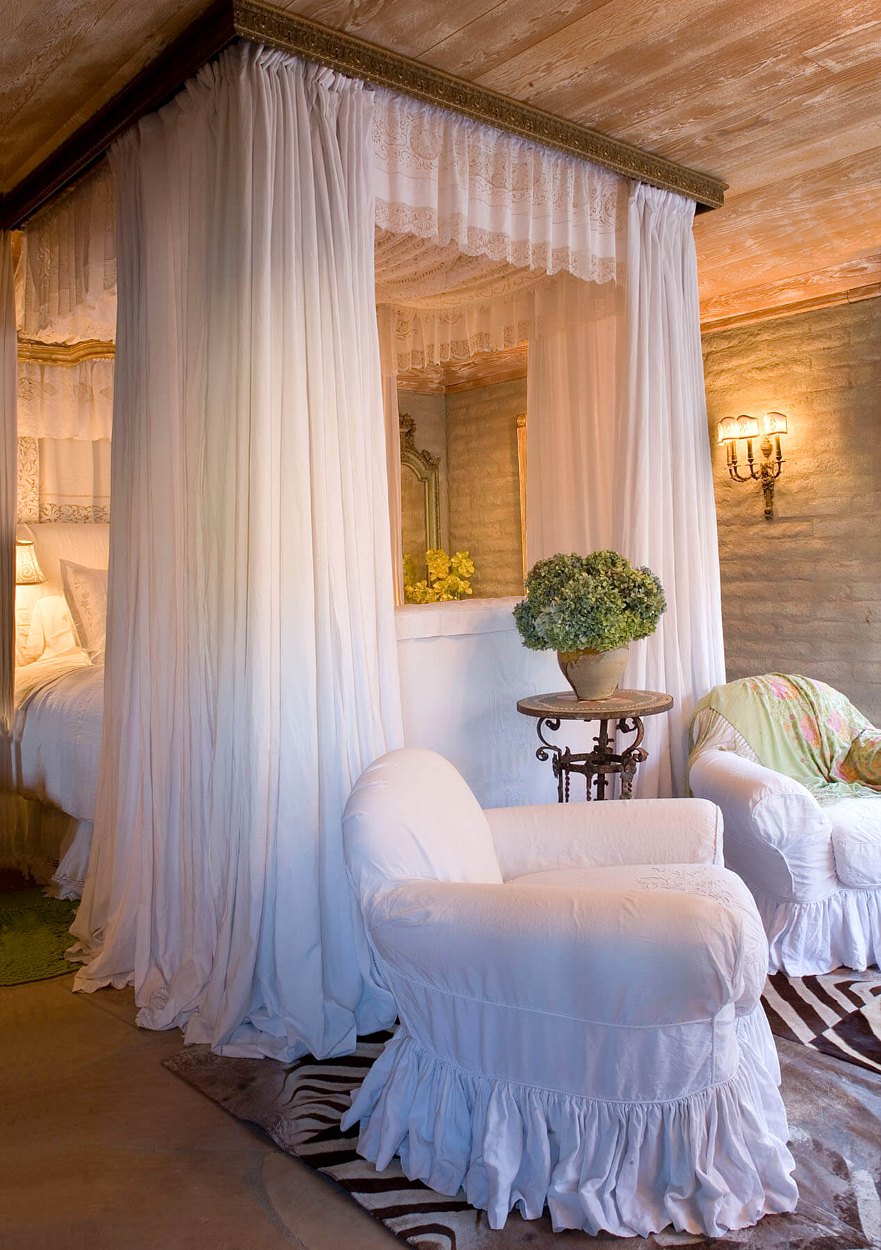 25+ Best Romantic Bedroom Decor Ideas and Designs for 2020 on Room Decor Ideas  id=37458