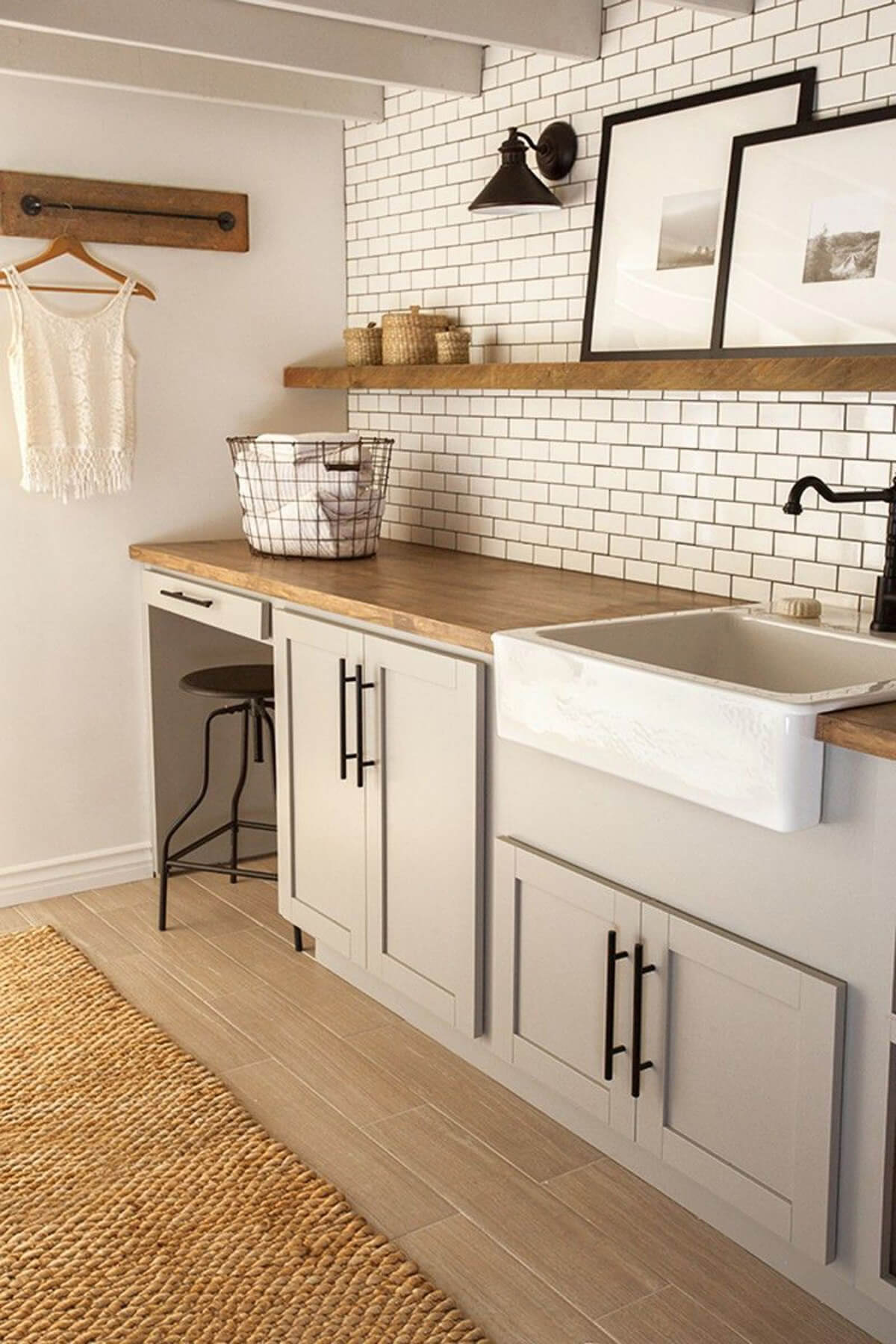 28 Best Small Laundry Room Design Ideas for 2020 on Laundry Room Decor Ideas  id=40770