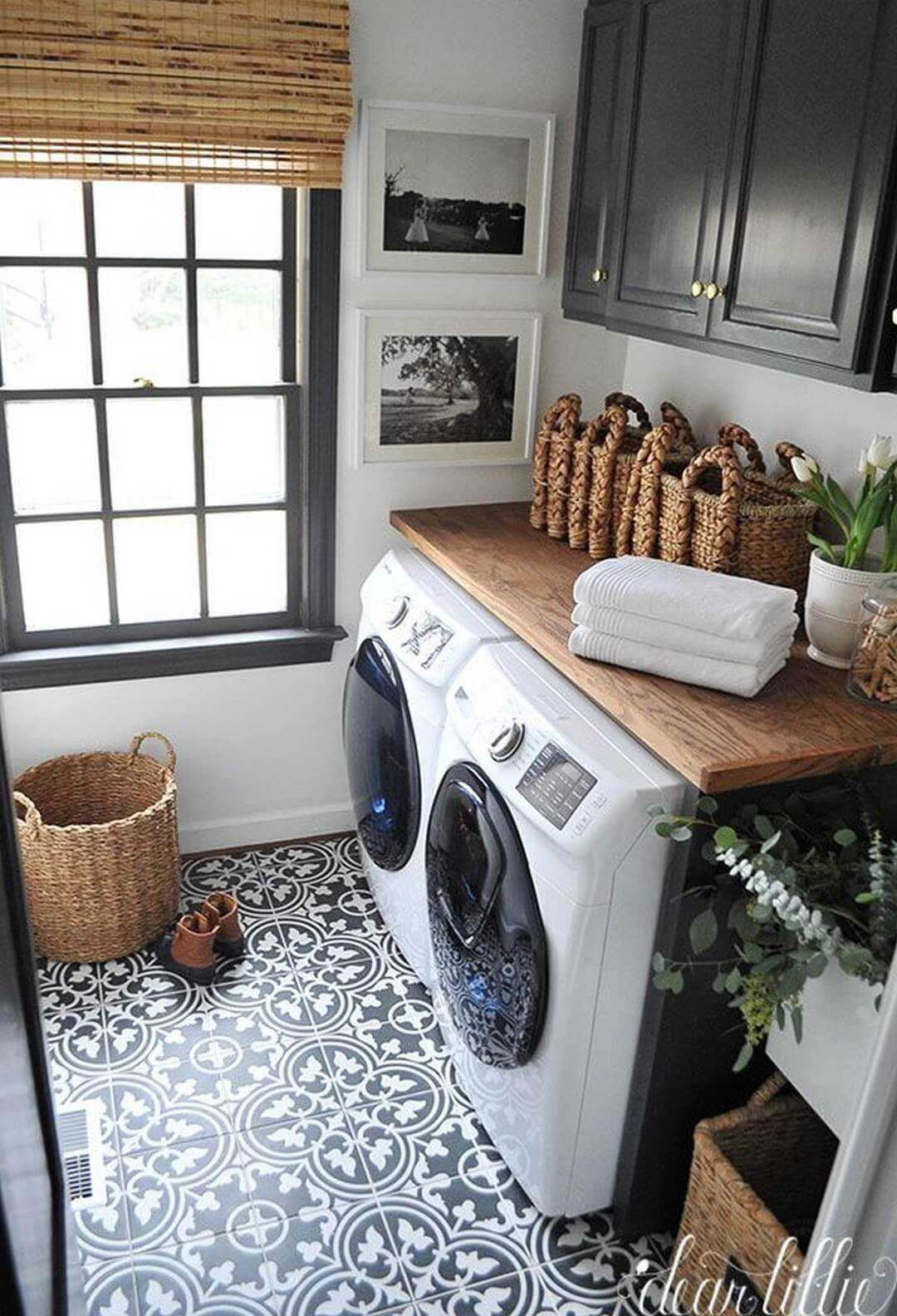 28 Best Small Laundry Room Design Ideas for 2020 on Laundry Room Decor Ideas  id=81093