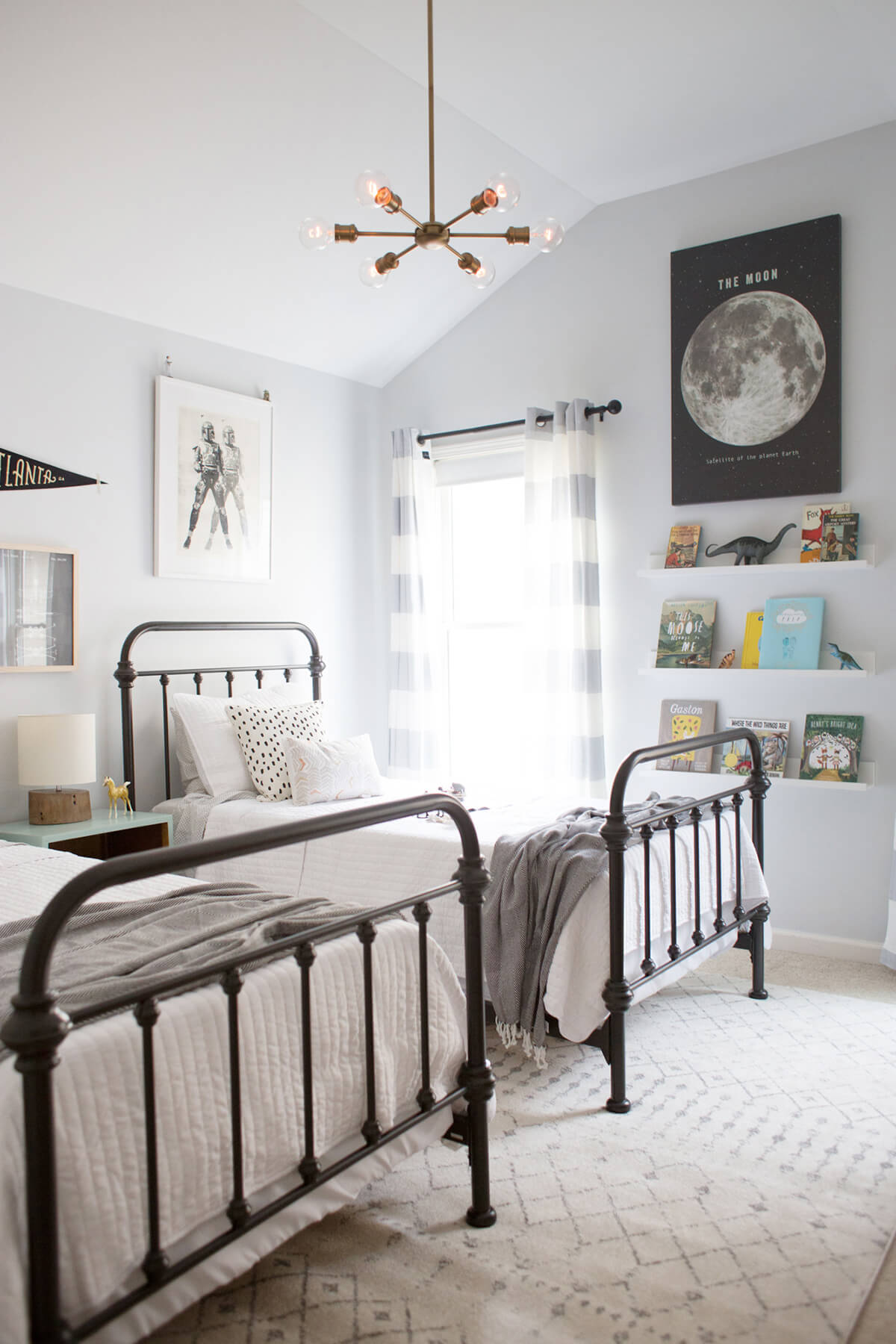 33 Best Teenage Boy Room Decor Ideas and Designs for 2020 on Teen Room Decoration  id=28544
