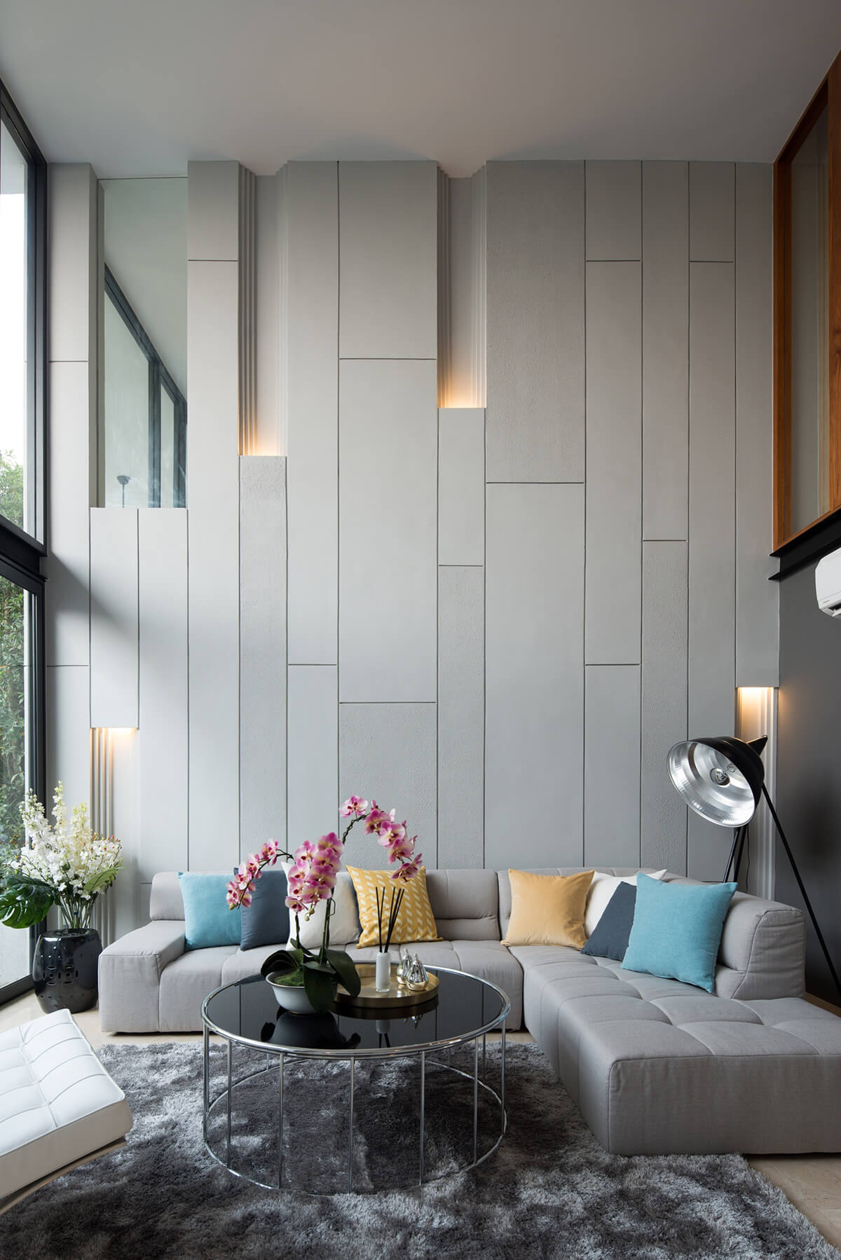 26 Best Modern Living Room Decorating Ideas and Designs ... on Best Sconces For Living Rooms Near Me id=65017