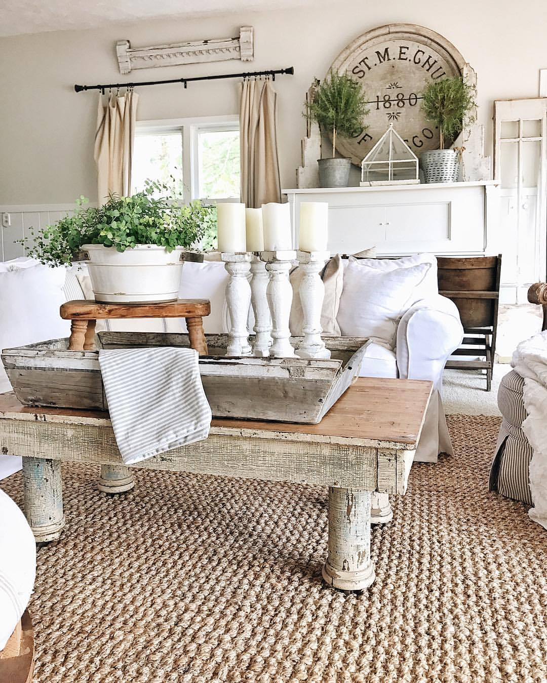 50 best farmhouse furniture and decor ideas and designs on country farmhouse furniture id=29524