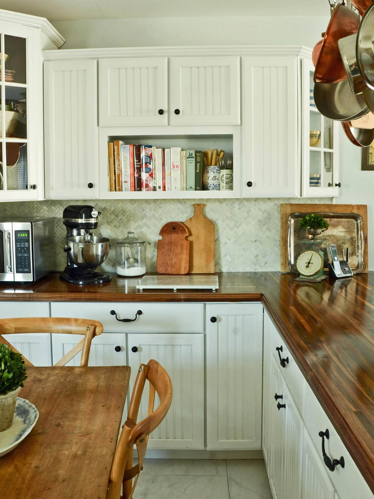 35 Best Farmhouse Kitchen Cabinet Ideas and Designs for 2020 on Farm House Kitchen Ideas  id=98252