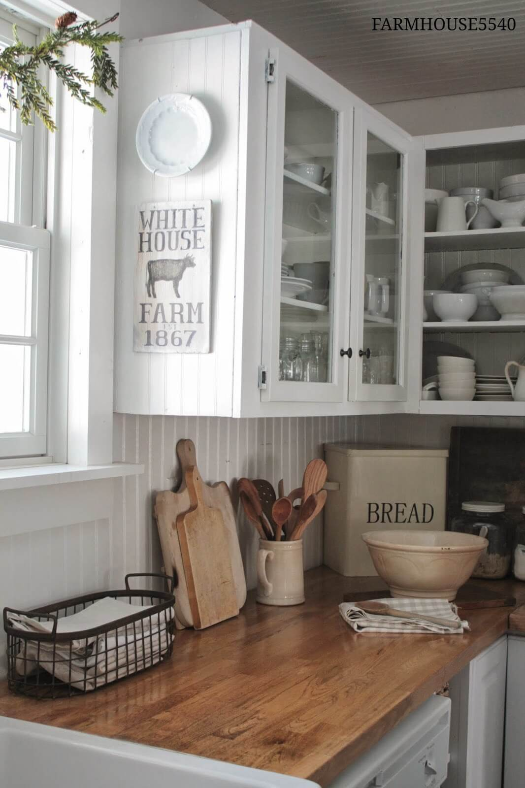 35 Best Farmhouse Kitchen Cabinet Ideas and Designs for 2020 on Farmhouse Kitchen Ideas  id=58898