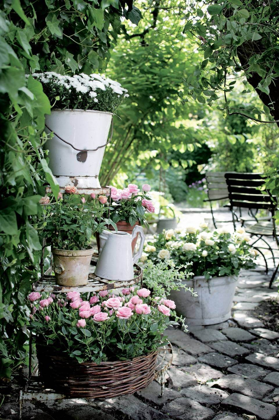 45+ Best Cottage Style Garden Ideas and Designs for 2020 on Cottage Patio Ideas id=61156
