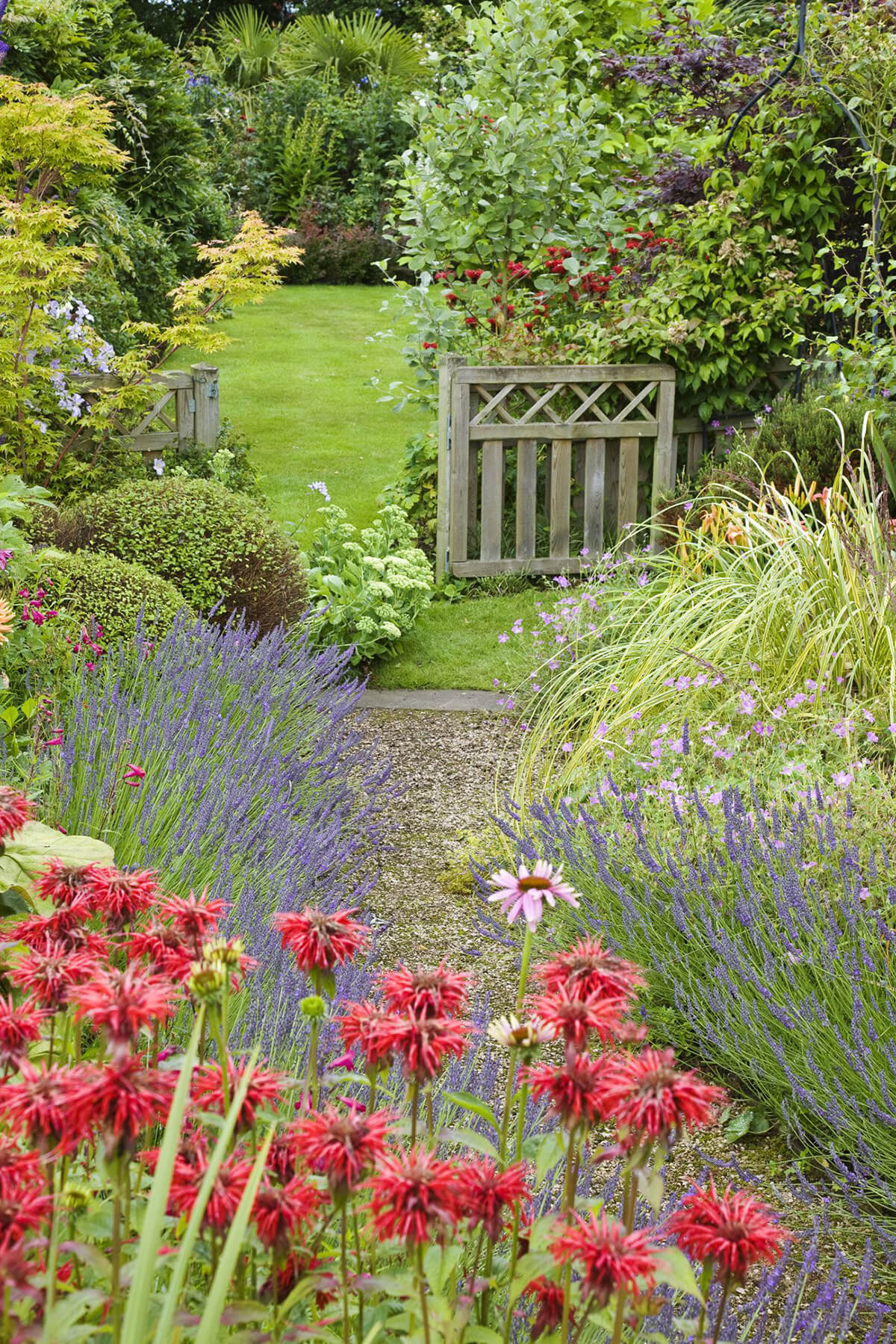 45+ Best Cottage Style Garden Ideas and Designs for 2020 on Bungalow Backyard Ideas id=98628