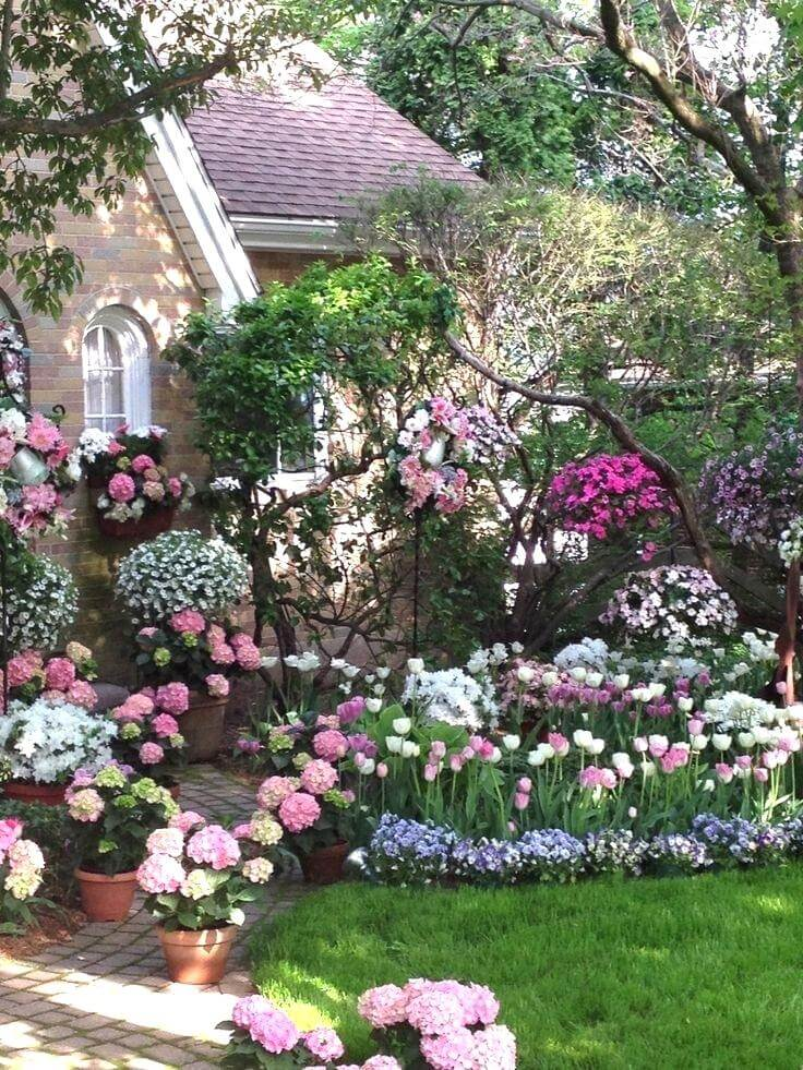 45+ Best Cottage Style Garden Ideas and Designs for 2020 on Cottage Patio Ideas id=96671