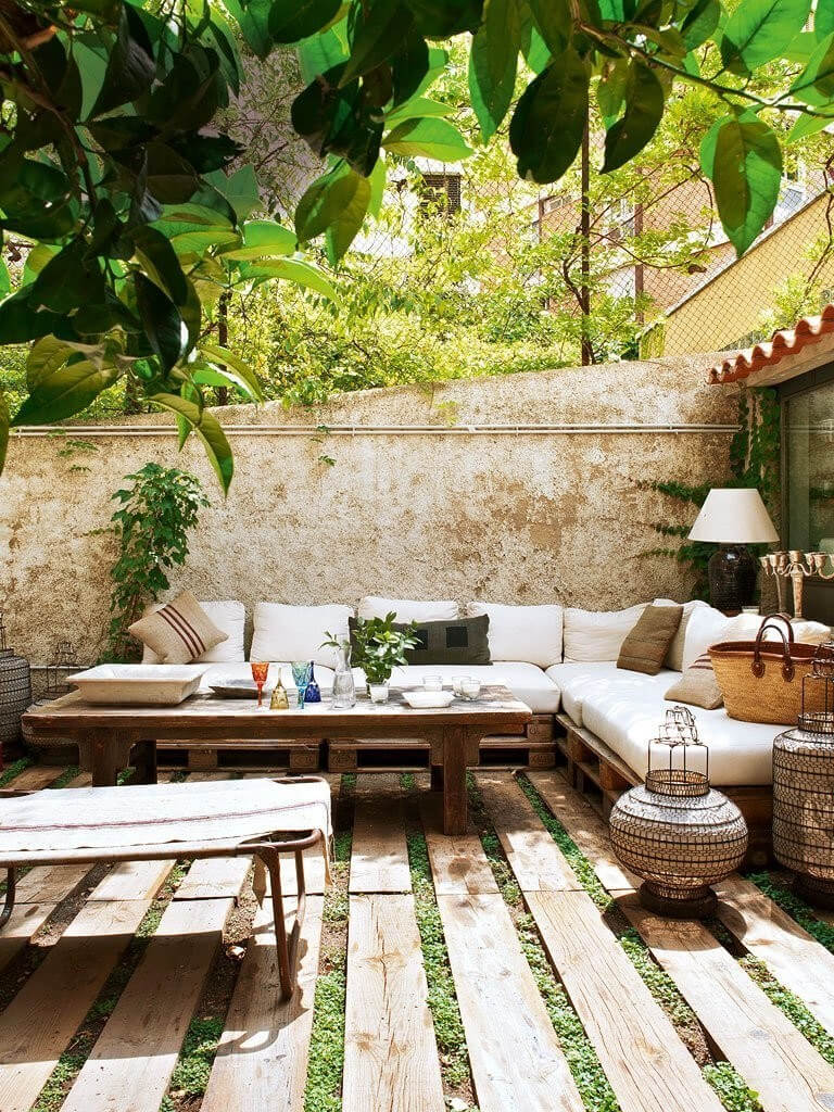 33 Best Outdoor Living Space Ideas and Designs for 2020 on Living Spaces Outdoor Sectional id=93911