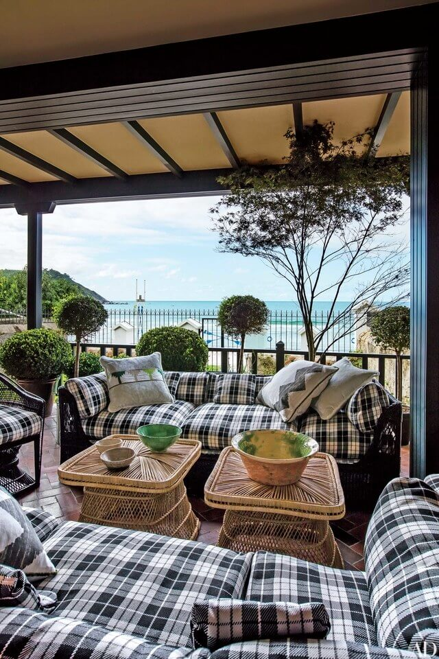 33 Best Outdoor Living Space Ideas and Designs for 2020 on Doobz Outdoor Living id=14792