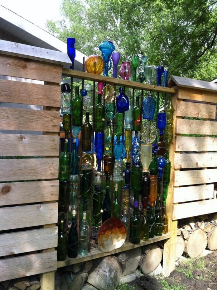 31 Best Garden Fence Decoration Ideas and Designs for 2020 on Backyard Wooden Fence Decorating Ideas id=58117